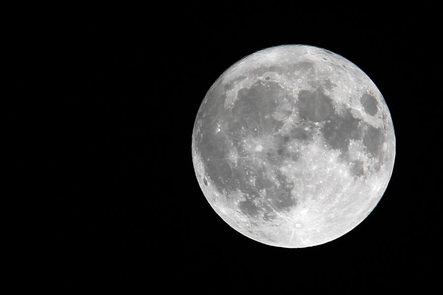 月に祈ってみるよ