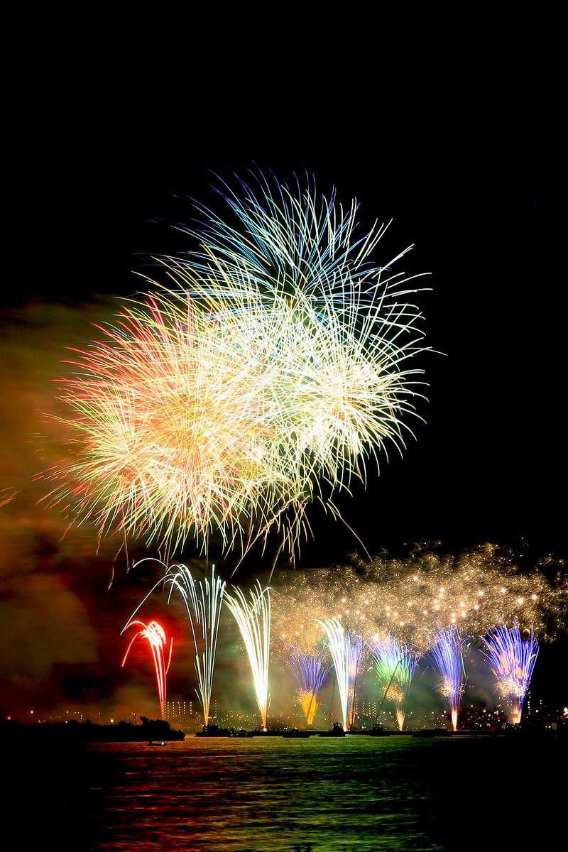 去年とは違う江戸川の花火